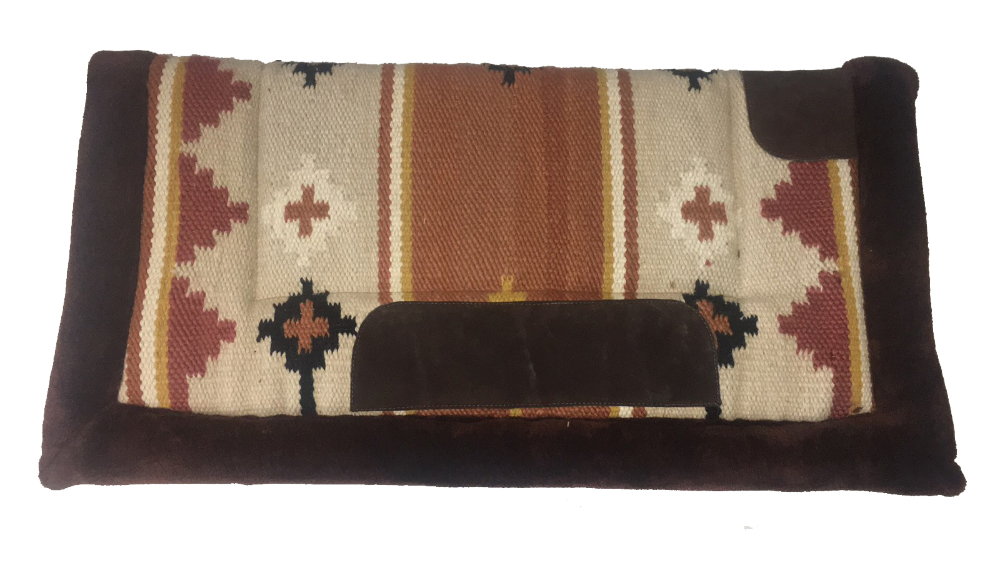 Western saddlepad with synthetic fur